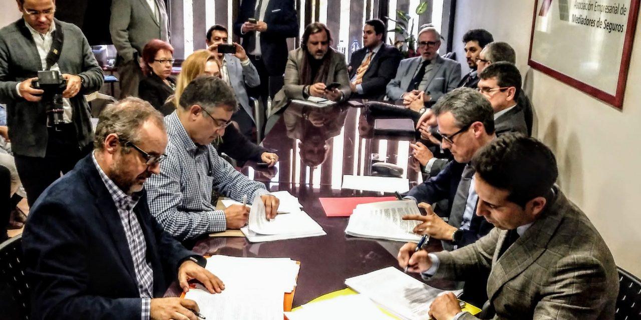Firmado el convenio del sector de mediación de seguros